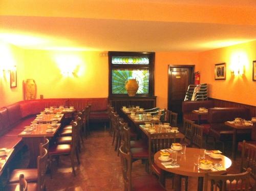 Salón La Tropical Desayuno Segovia